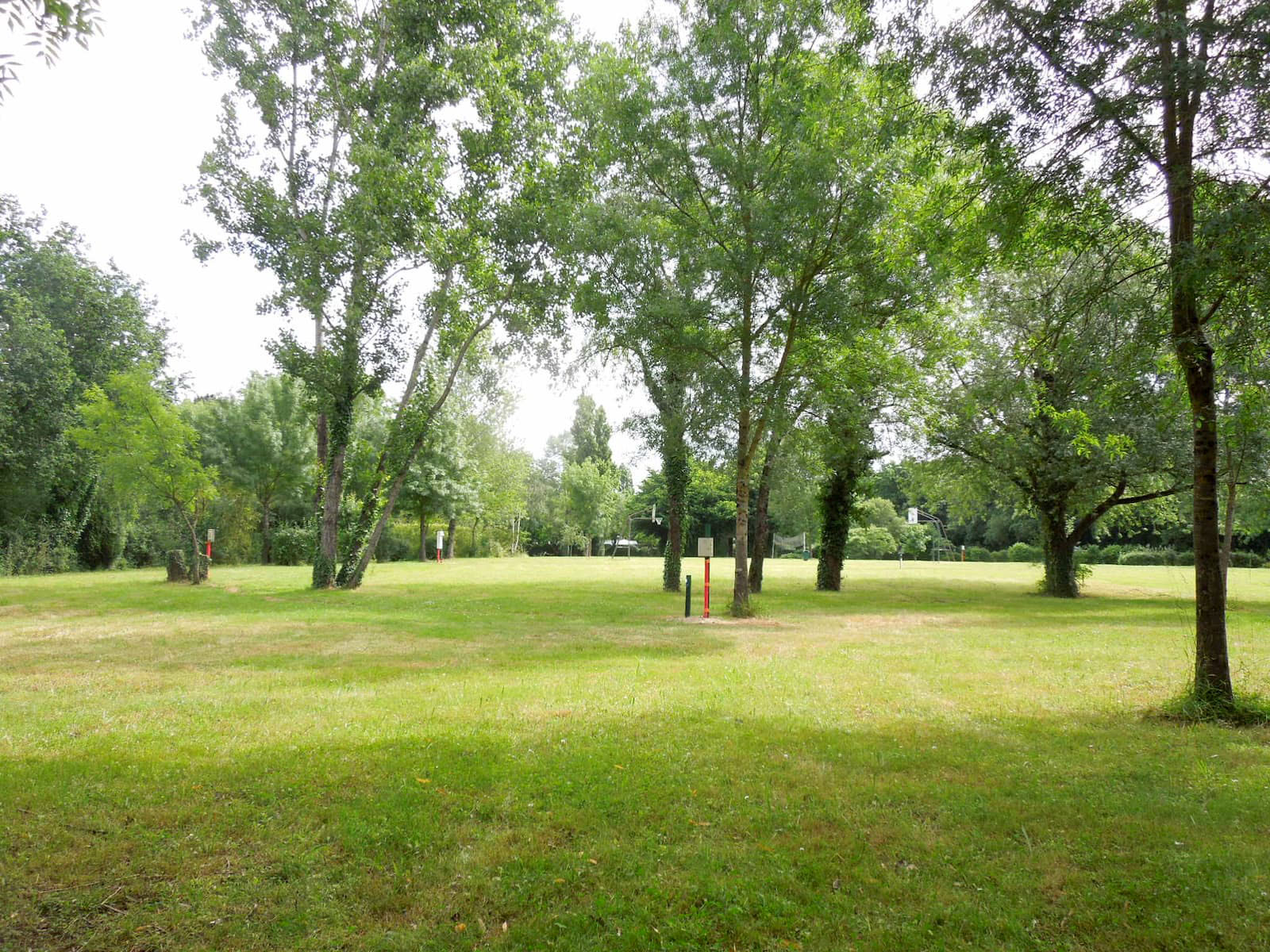 camping-belle-riviere-champ