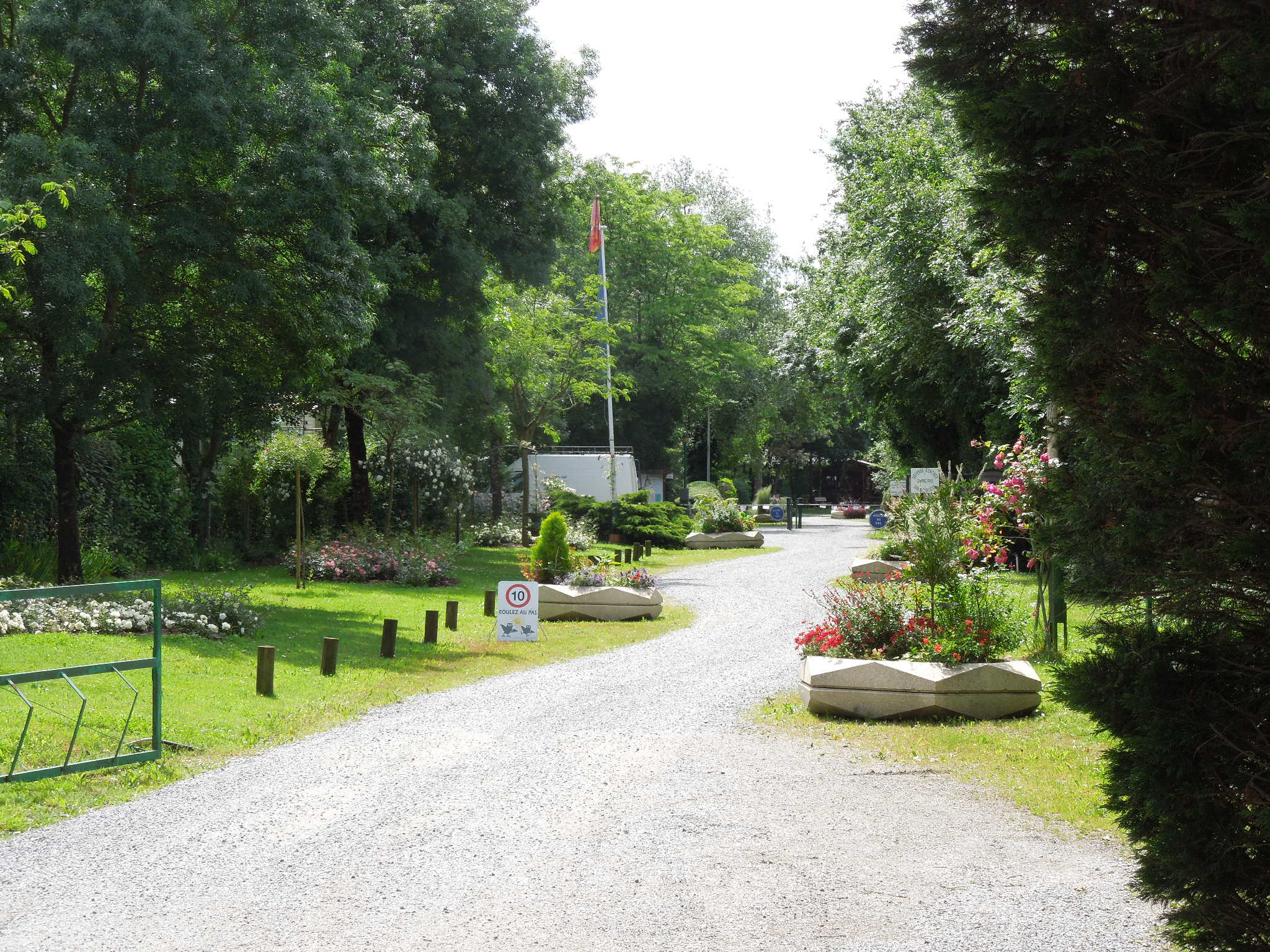 camping-belle-riviere-entree-portail